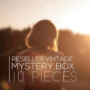 Reseller Vintage Mystery Box - 10 pieces